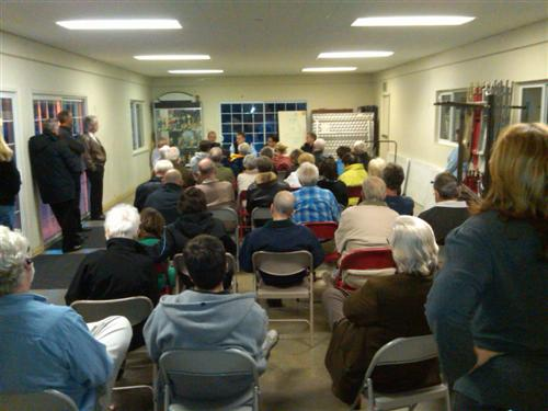 Cabana meeting on the explosion of unknown origens in east Los Gatos