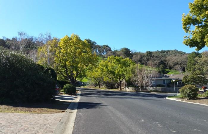 Bacigalupi Drive walking toward side entrance of park