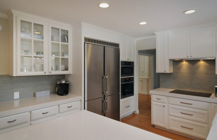 006 Kitchen 700x450 - Exquisitely remodeled home & yard for sale in Belwood - 127 Belhaven Drive