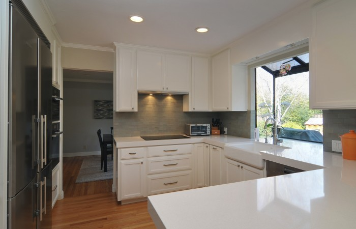 007 Kitchen 2 700x450 - Exquisitely remodeled home & yard for sale in Belwood - 127 Belhaven Drive